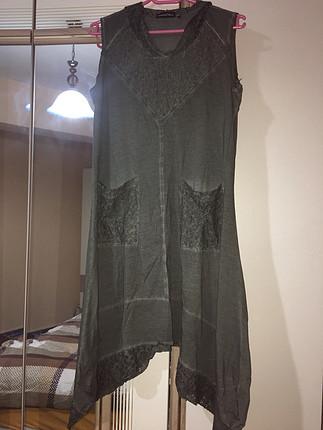 Dantel detaylı tasarım elbise