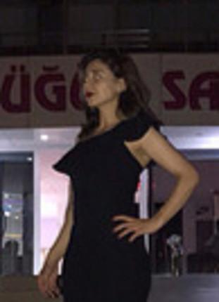 Koton marka tek omuzlu siyah uzun abiye