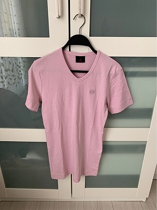 Pembe t shirt