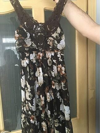 Çiçekli şifon elbise