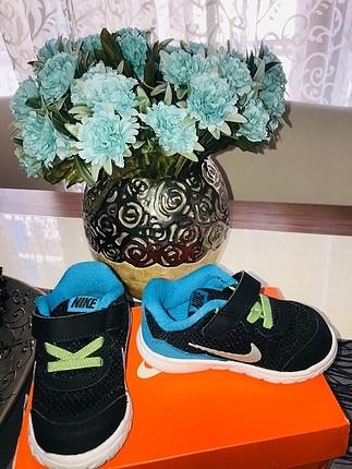 Hiç kullanılmamış orjinal Nike ayakkabı 21 numara