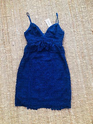m Beden Guess marka, aşırı şık dantel elbise