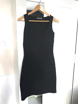 Siyah koton elbise