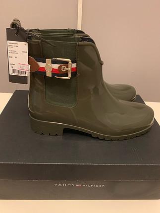 39 Beden Ürün sıfır etiketlidir..hiç giyilmemiştir..tommy hilfiger #yağmu