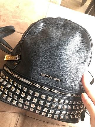 Beden Michael kors'un en çok satan sırt çantası