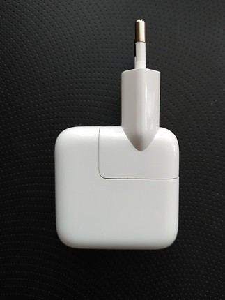 Apple orijinal 12W adaptör.