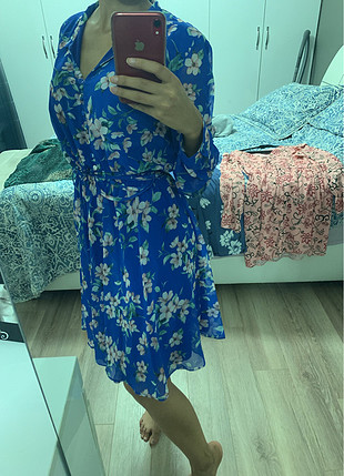 40 Beden mavi Renk Çiçekli rahat elbise