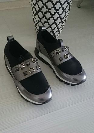 diger ayakkabı