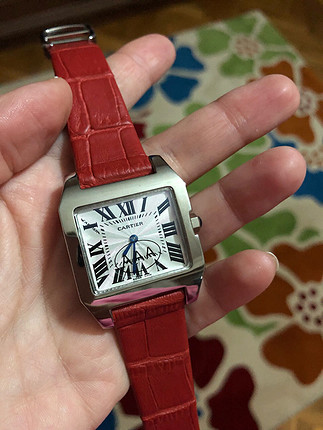 Cartier kırmızı saat