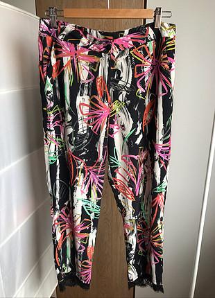 Düz kesim desenli pantolon