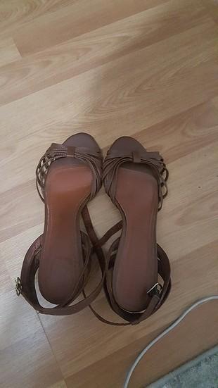 Yazlık ayakkabı.