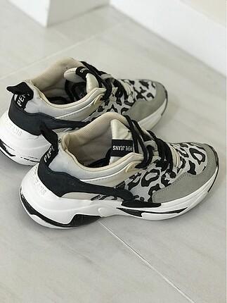 Çok rahat tarz ayakkabı