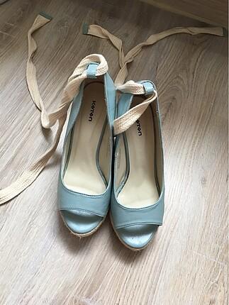 Mantar topuk ayakkabı