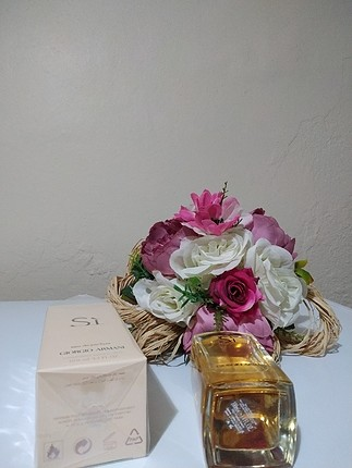diğer Beden ten rengi Renk Armani si kadın parfümü