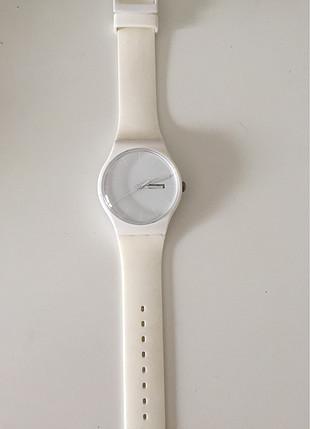 Swatch beyaz saat