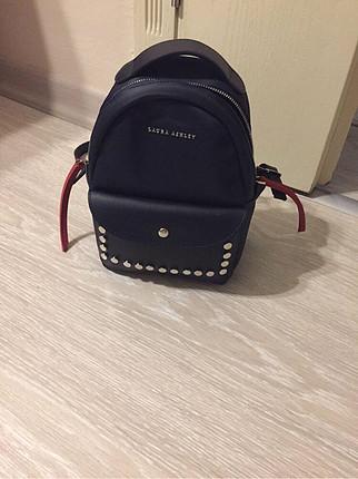 Laura Ashley sırt çantası.