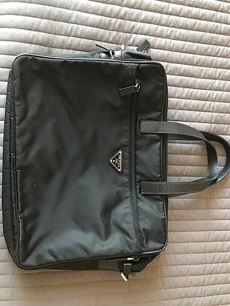 orjinal prada evrak laptop çantası .2 kere kullanılmıştır
