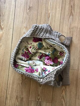 El yapımı örgü çanta