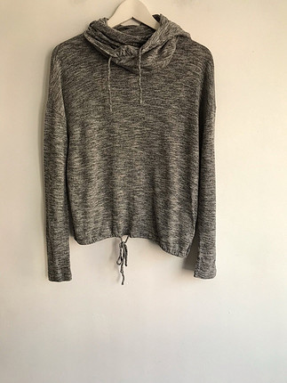 Kapşonlu sweatshirt