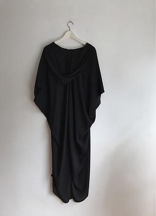 Uzun siyah şapkalı bluz