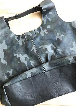 Kamuflaj desenli çanta