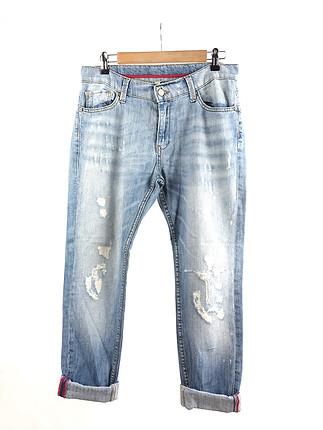 Eskitilmiş Detaylı Jean
