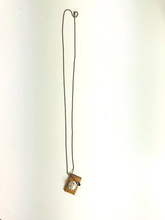 Bisküvi detaylı kolye
