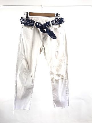 Yırtıklı pantolon