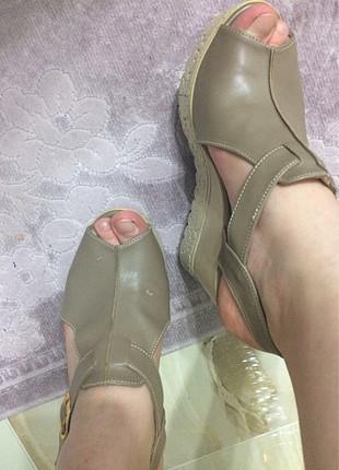 Ayakkabı çok iyi durumda