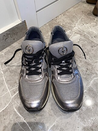 Orjinal Cesare Paciotti gümüş renki spor ayakkabı