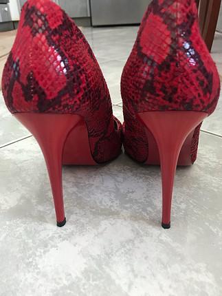 39 Beden Kırmızı stiletto