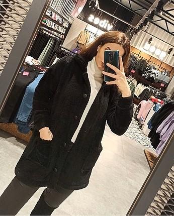 Çok hızlı satan pelus ceketimiz siyah gri ve camel rengi ile sto