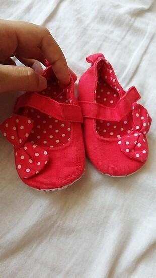 Cok sirin bir bebek ayakkabısıı
