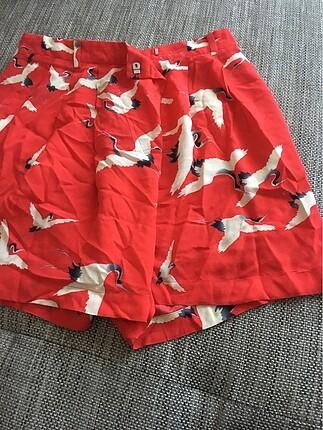 Zara leylekleri kırmızı şort etek
