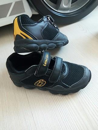 29 numara cok az kullanilmis Lescon marka cocuk ayakkabisi
