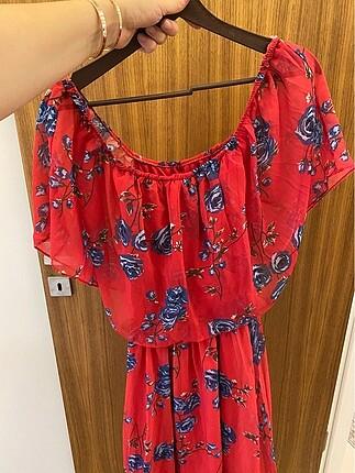 42 Beden Kırmızı kayık yaka etek kısmı pileli elbise