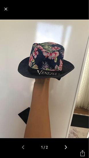 desenli italyadan alınmış orijinal şapka