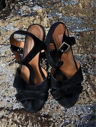 Sandalet kısa topuklu