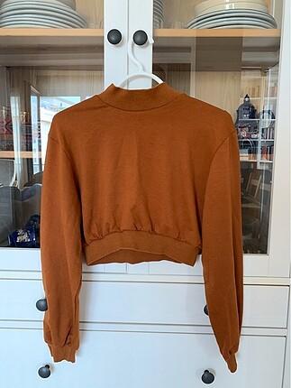 Uzun kollu crop sweatshirt