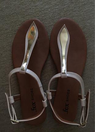 Gold detaylı sandalet
