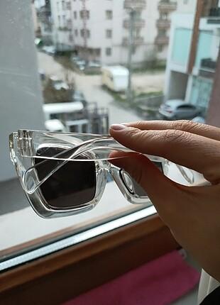 Beden Şeffaf gözlük