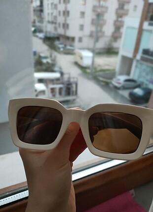 Beden ten rengi Renk Bej rengi gözlük