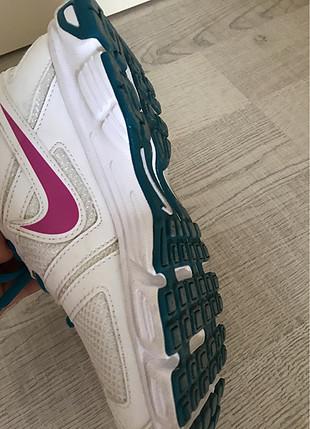 Spor yürüyüş ayakkabısı