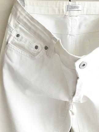 40 Beden beyaz Renk butik ürünü ic göstermeyen beyaz kapri