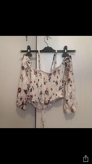 l Beden Çiçekli kısa bluz