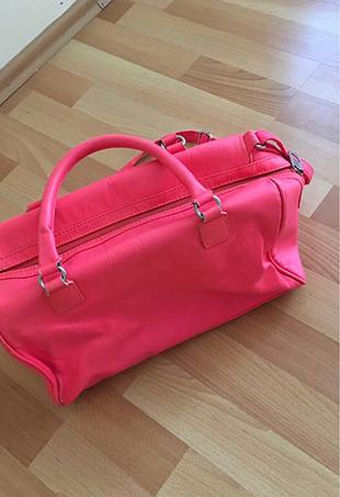Pembe neon kol çantası