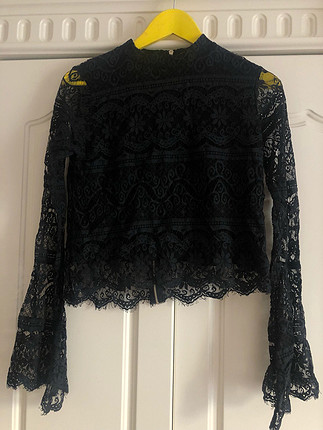 Siyah dantelli bluz