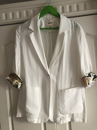 Beyaz yazlık ceket