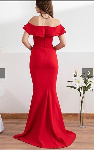 Kırmızı fırfır yakalı balık elbise