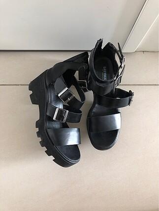 Siyah bayan bantlı ayakkabı